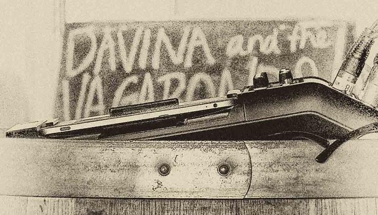 Davina Sign