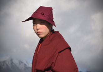 tibetan-nun-beauty